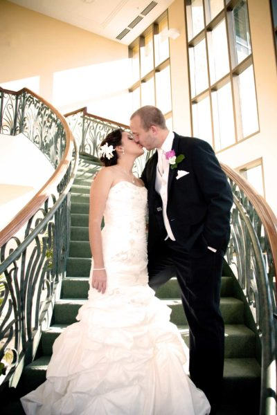 San Antonio Wedding Venue Kiss On Stairs