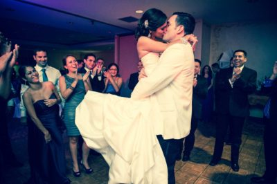 San Antonio Wedding Venue Kiss Swing